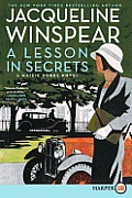 A Lesson in Secrets (Large Print) (Maisie Dobbs Mysteries)