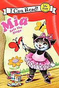 Mia Sets the Stage