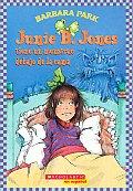 Junie B Jones Tiene un Monstruo Debajo de la Cama Junie B Jones Has a Monster Under Her Bed