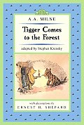 Tigger Comes to the Forest: Winnie-The-Pooh Easy-To-Read (Dutton Easy Reader)