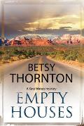 Kate Waters Mystery #1: Empty Houses: An Arizona Murder Mystery (Large Print)
