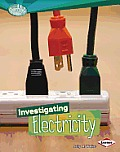 Investigating Electricity (Searchlight Books N How Does Energy Work?)