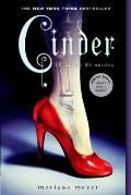 Cinder (Lunar Chronicles #1)
