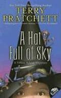 A Hat Full of Sky: Discworld: Tiffany Aching 2